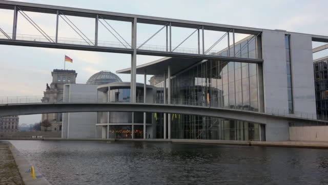 MS Shot of Spree river, Marie Elisabeth Luders Haus and Paul Lobe Haus