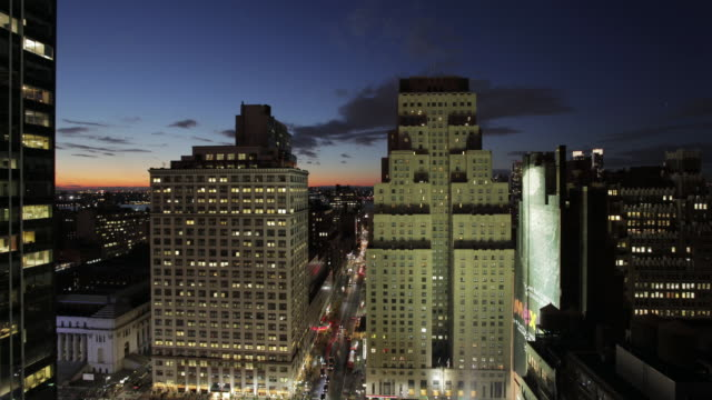 MS T/L Shot of sunset in city / New York, United States