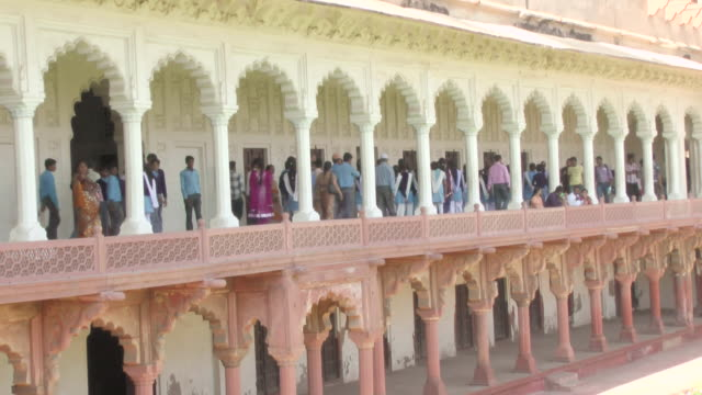 ms shot of taj mahal ornate outdoor hallway / agra, uttar pradesh, india  - agra video stock e b–roll