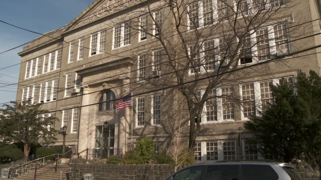 stockvideo's en b-roll-footage met shot of the woodrow wilson elementary school in weehawken nj - school building