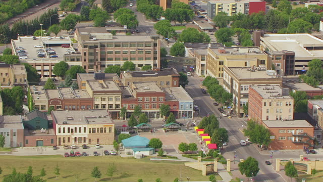 MS AERIAL TS Shot of Town square / Grand Forks, North Dakota, United States