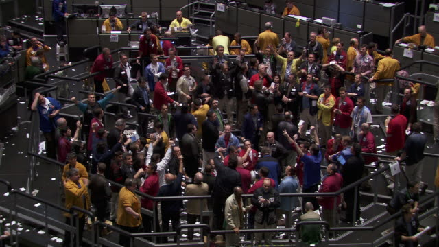 ms shot of traders in stock exchange trading floor with people shouting and gesturing / chicago stock market michigan united states - 2008 stock videos & royalty-free footage