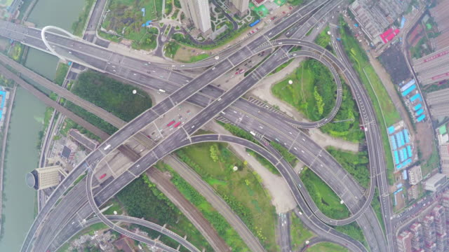 stockvideo's en b-roll-footage met ws aerial shot of traffic moving on overpasses ,tianjin,china. - tianjin