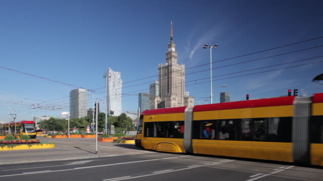 ws shot of trams and traffics at palace of culture and science / warsaw, masovian voivodeship, poland - warsaw stock videos & royalty-free footage