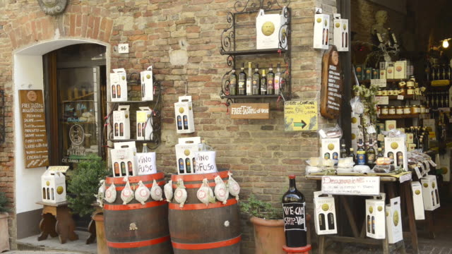 ms shot of tuscany delicatessen store / montepulciano, tuscany, italy - montepulciano stock videos & royalty-free footage