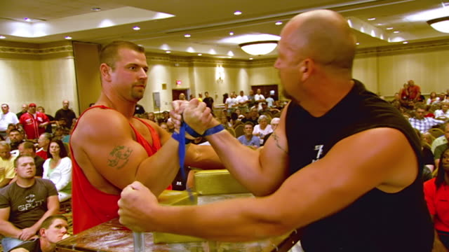 ms zi zo shot of two men fighting to win match during us arm wrestling federation national championship / kansas city, missouri, united states - arm wrestling stock videos & royalty-free footage