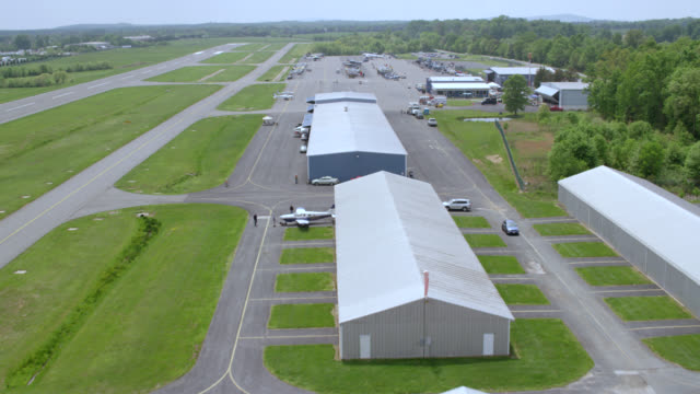 """""""ws zi aerial shot of us air force civil air patrol / washington dc, united states"""" - united states airforce stock-videos und b-roll-filmmaterial"""