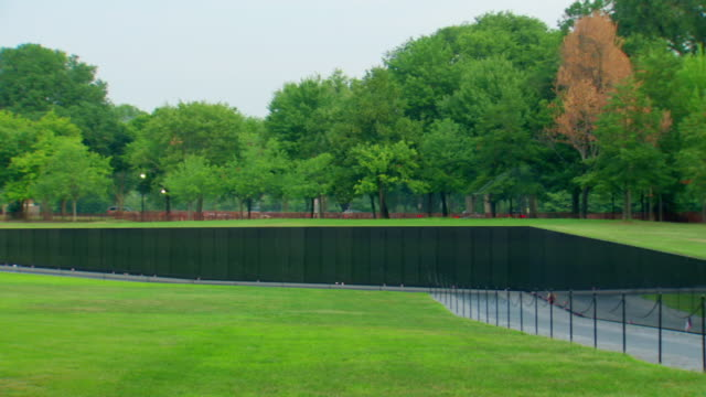 ws shot of vietnam veterans memorial wall without any visitors / washington, district of columbia, united states - vietnam veterans memorial video stock e b–roll
