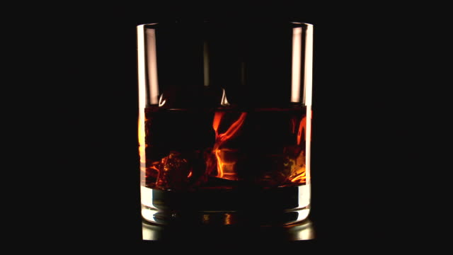 vidéos et rushes de cu shot of whiskey / spain - whisky