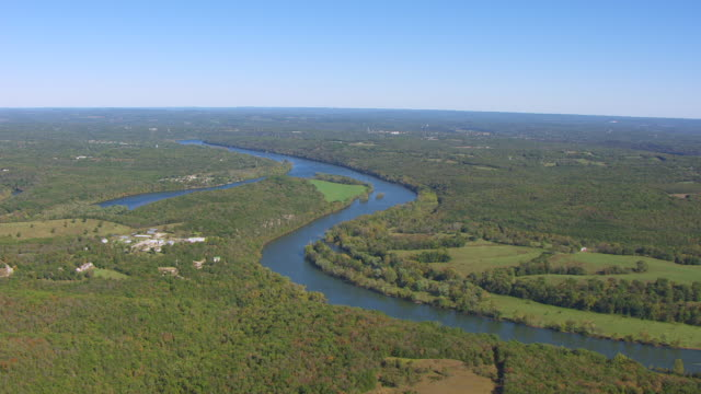 WS AERIAL Shot of White River en route near Branson in Taney County / Missouri, United States
