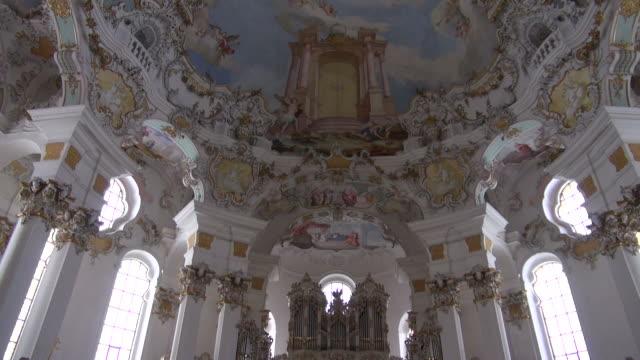 stockvideo's en b-roll-footage met ms tu shot of wieskirche church, pfaffenwinkel / steingaden, bavaria, germany - vrouwelijke gestalte