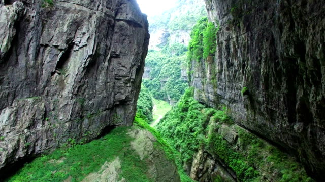 ws aerial shot of wulong karst landform,chongqing, china - unesco world heritage site stock videos & royalty-free footage