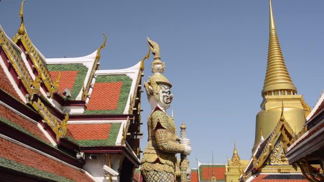 MS Shot of yak temple guardian figure in wat phra kaeo temple in grand palace / Bangkok, Thailand