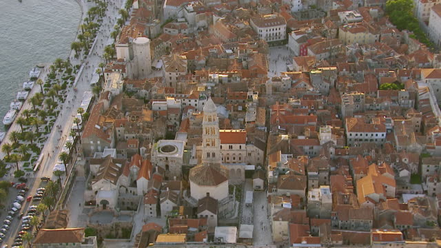 ws aerial shot over church and harbor / split, split dalmatia county, croatia - croazia video stock e b–roll