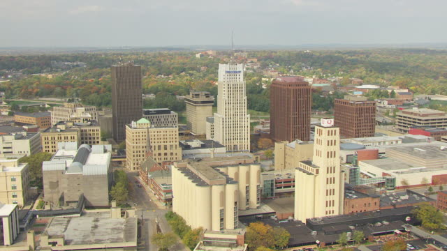 ws zi aerial shot over downtown skyscrapers / akron, ohio, united states - ohio stock videos & royalty-free footage