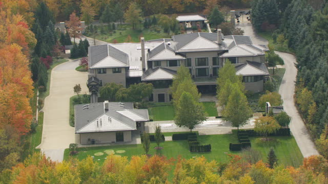 Ms Aerial Shot Over House Of Lebron James Akron Ohio United States Stock Footage Video Getty Images