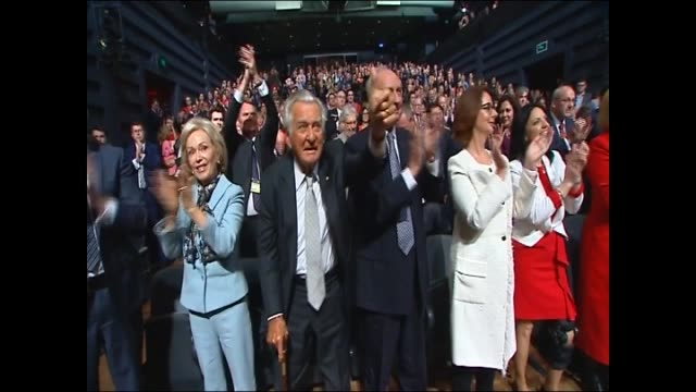 bill shorten shaking hand with supporters waves to crowd people clapping shorten / bill shorten shakes hands with bob hawke paul keating hugs kisses... - bob hawke stock videos and b-roll footage