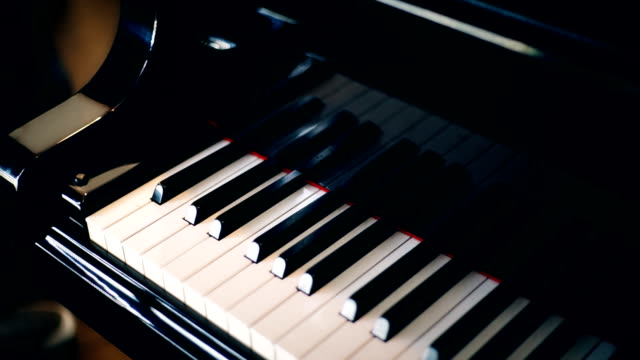 stockvideo's en b-roll-footage met 2 shots grand piano met toetsenbord. - stem
