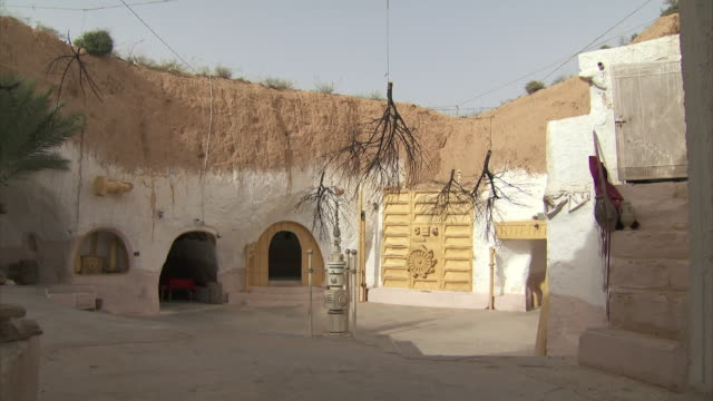 shots of old film location in tunisia used for star wars - star wars stock videos & royalty-free footage