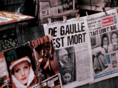 shots of people in paris reading newspapers headlines about the death of president de gaulle 10 november 1970 - charles de gaulle stock videos and b-roll footage