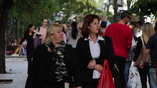 shots of rua xv downtown in curitiba brazil commuters and tourists crowd the sidewalks in downtown curitibashot on november 3rd 2015 - südbrasilien stock-videos und b-roll-filmmaterial
