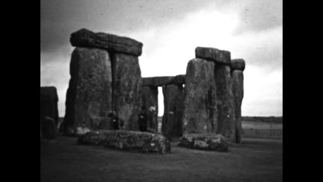 shots of stonehenge located in wiltshire england - obelisk stock videos & royalty-free footage
