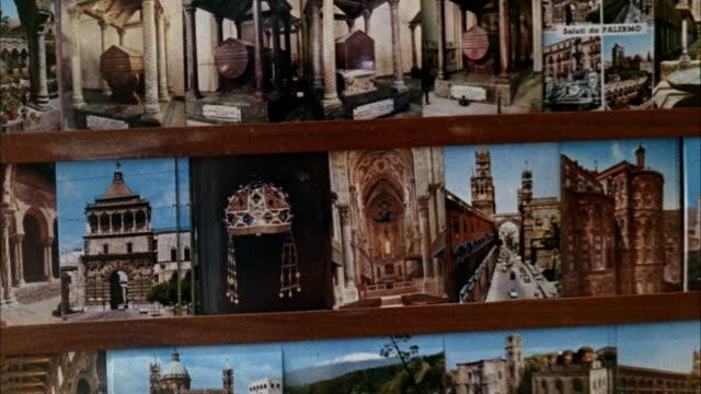 vidéos et rushes de ms shots of streets and buildings, ruins - carte