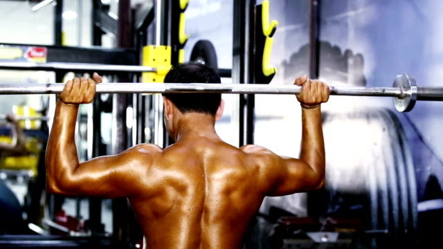 shoulder exercise in the gym - shoulder stock videos & royalty-free footage