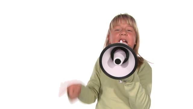HD : Crier à haute voix