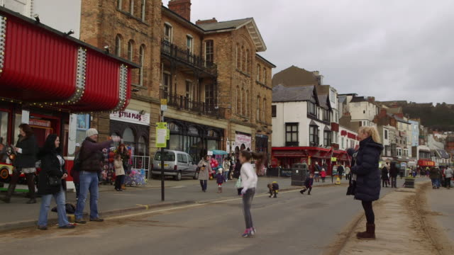 shove tuesday skipping - 英国スカーブラ点の映像素材/bロール