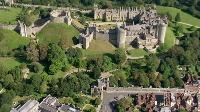 shows aerial shots arundel castle in west sussex, on the 21st septermber, 2021 in england, united kingdom - arundel castle stock videos & royalty-free footage