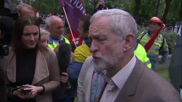 stockvideo's en b-roll-footage met shows exterior interview soundbite with labour leader jeremy corbyn on supporting steelworkers at rally. david cameron has said that there have been... - david steel politiek