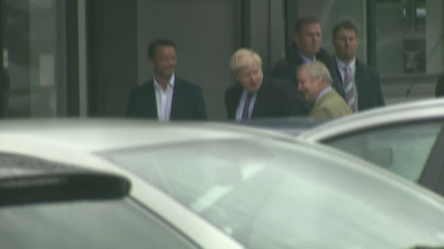shows exterior shots british prime minister boris johnson mp arriving on visit to brecon ahead of byelection yesterday the prime minister was greeted... - prime minister of the united kingdom stock videos and b-roll footage