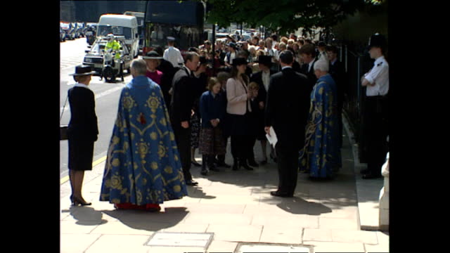 shows exterior shots members of the spencer family including princess diana's mother frances shand-kydd and her brother charles spencer arriving at... - memorial event stock videos & royalty-free footage