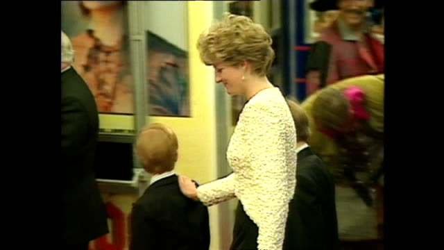 shows exterior shots princess diana arriving with prince william and prince harry at the royal premiere of the film 'hook' on april 7th 1991 in... - 1992 stock videos and b-roll footage