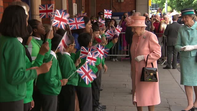 shows exterior shots queen elizabeth ii arriving at slough railway station the queen and duke of edinburgh retrace queen victorias first train... - berkshire england stock videos & royalty-free footage