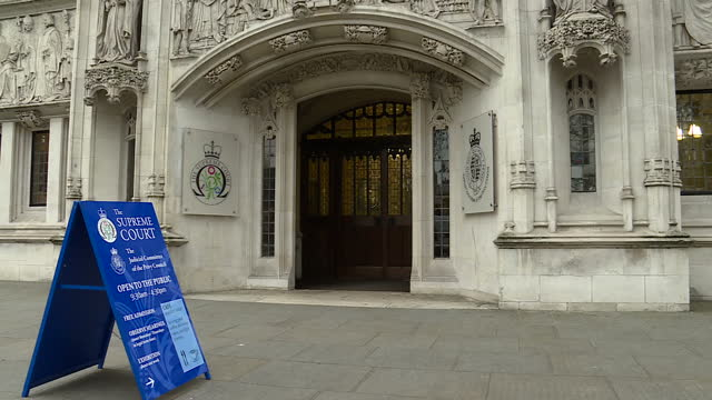 shows exterior shots the supreme court building the legal battle over brexit goes to the supreme court the government is appealing against a high... - 提訴点の映像素材/bロール