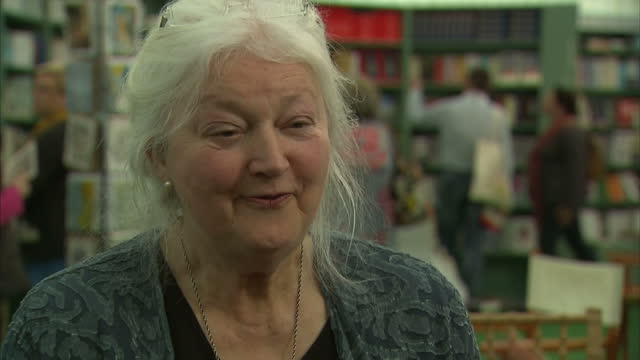 vídeos de stock e filmes b-roll de shows interior interview with author barbara erskine on eu referendum on may 30 2016 in hayonwye england - hay on wye