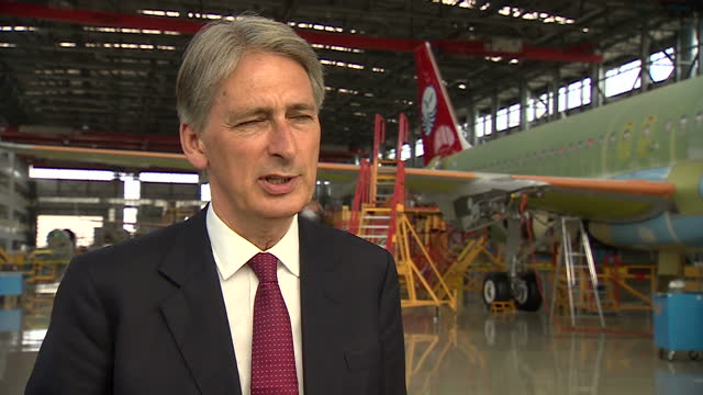 shows interior shot philip hammond talks about airbus in china britain leading the way in design technology maintaining the leading edge on august 12... - tianjin bildbanksvideor och videomaterial från bakom kulisserna
