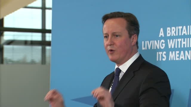 stockvideo's en b-roll-footage met shows interior shots david cameron speaking at conservative manifesto presser on january 12 2015 in nottingham england - manifest
