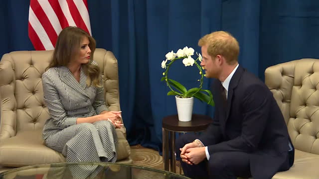 shows interior shots first lady of usa melania trump and prince harry sitting down chatting during photo op prince harry met with us first lady... - melania trump stock-videos und b-roll-filmmaterial