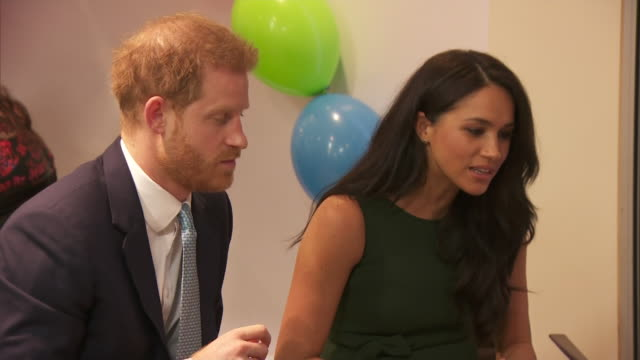 shows interior shots prince harry duke of susex and his wife meghan duchess of sussex meeting families at the wellchild awards 2019 the duke and... - prince harry stock videos & royalty-free footage