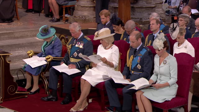 stockvideo's en b-roll-footage met shows interior shots queen elizabeth ii, prince charles prince of wales, camilla duchess of cornwall, prince william duke of cambridge and catherine... - westminster abbey