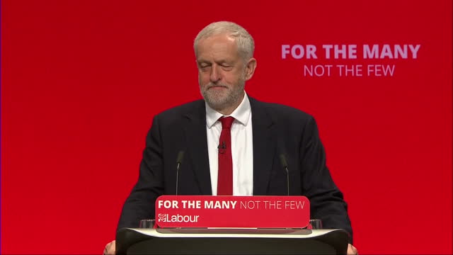 shows interior shots speech soundbite from uk labour party leader jeremy corbyn making jokes about the tory government says they're certainly not... - brighton brighton and hove stock-videos und b-roll-filmmaterial