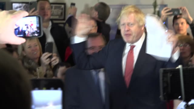 shows interior shots uk prime minister boris johnson arriving and giving speech to supporters in sedgefield boris johnson has promised to repay the... - prime minister of the united kingdom stock videos & royalty-free footage
