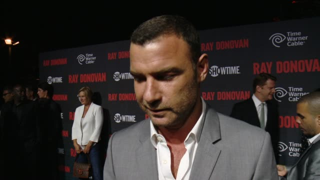 """showtime and time warner cable celebrate season two of """"ray donovan"""" in los angeles, ca 7/9/14 - エリオット グールド点の映像素材/bロール"""