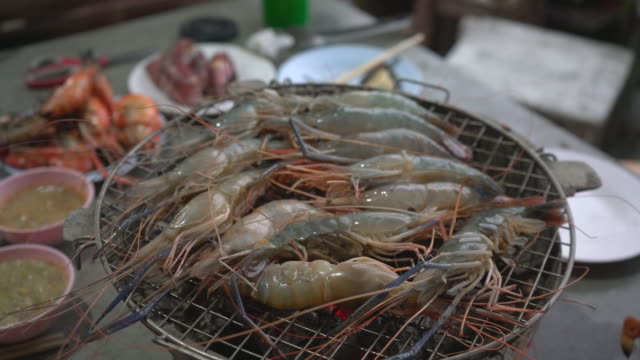 shrimp on charcoal In the restaurant buffet popular in Thailand.
