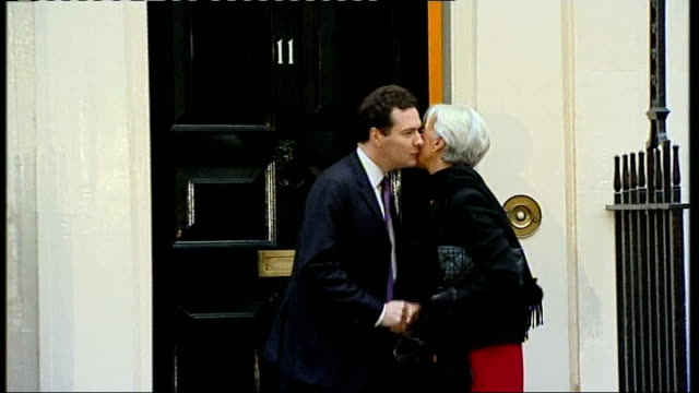 gdp shrinks edging uk closer to 'official' recession england london 11 downing street photography ** george osborne mp out from 11 downing street and... - ローラ・クエンスバーグ点の映像素材/bロール
