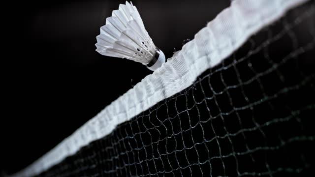 vidéos et rushes de slo mo volant à peine aller sur le net - badminton sport