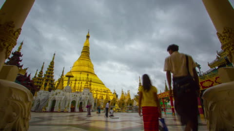 stockvideo's en b-roll-footage met shwedagon pagode myanmar. - kostbare edelsteen